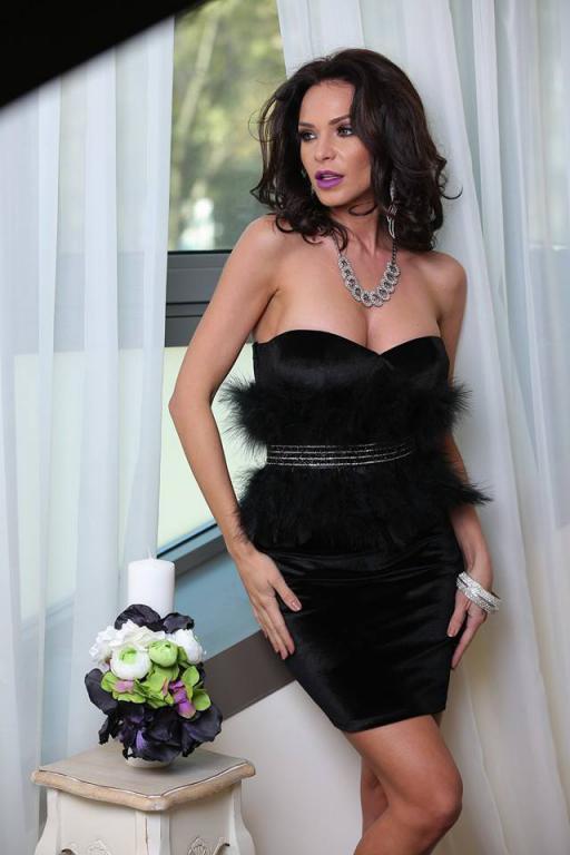 c1ea5bb951 Bársony fekete tollas ruha - Cool Fashion