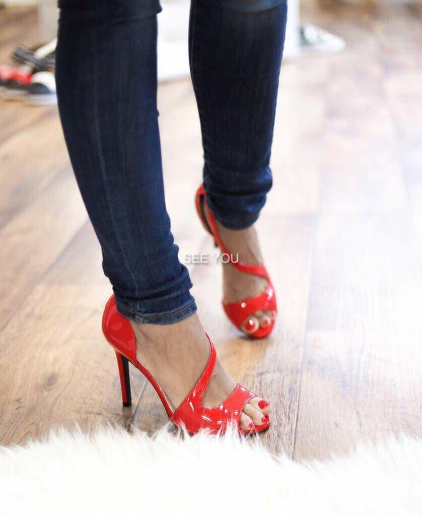 436a98a820 Pántos lakk magassarkú cipő - Cool Fashion