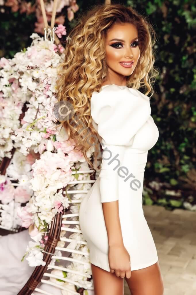 Félvállas buggyos fehér ruha - Cool Fashion 786d6653ed