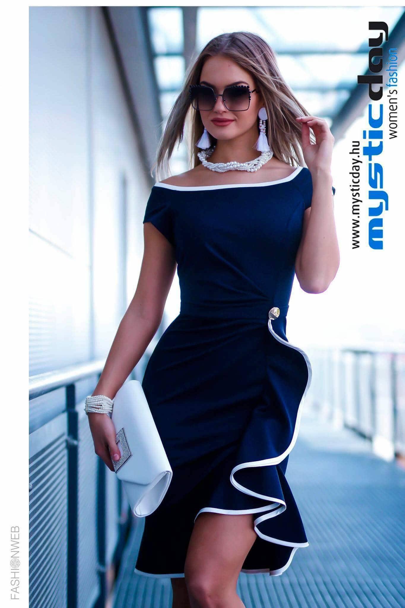 597e02641f Fortuna kék-fehér fodros ruha - Cool Fashion