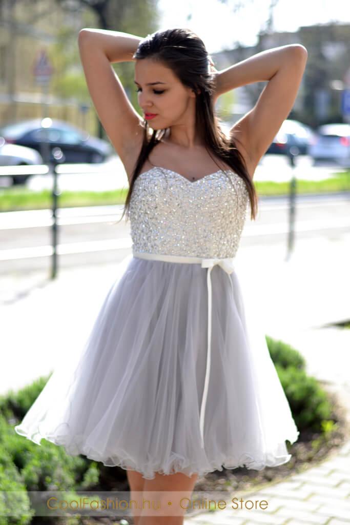 18bfda3b79 Köves fehér-szürke tüll ruha - Cool Fashion
