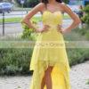 Sárga uszályos ruha
