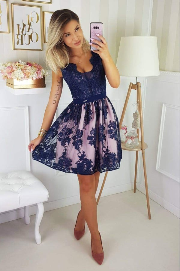 Csipkés hímzett kék loknis ruha - Cool Fashion 7fbf054c1e