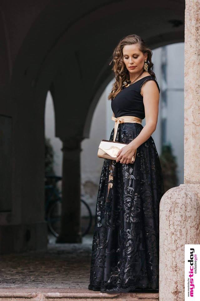 egyedi csipkés flitteres maxi ruha mystic day piros kék púder fekete e1a6834176