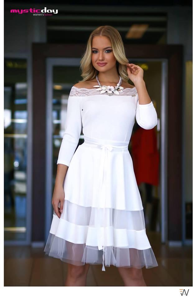 40717ac974 Fehér csipkés vállú tüll loknis ruha - Cool Fashion