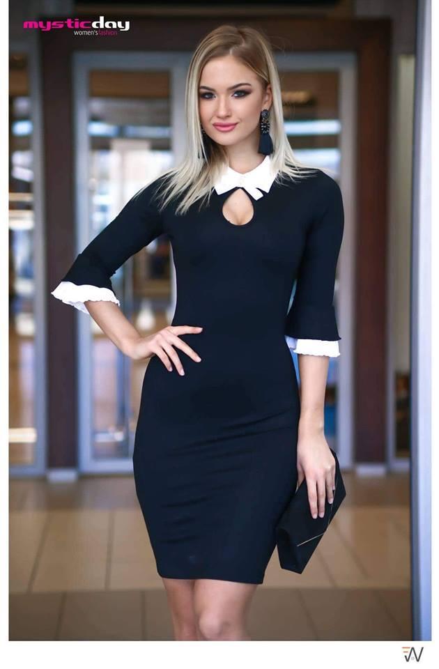 Gitta fekete-fehér tölcsérujjú ruha - Cool Fashion 05ab24c874