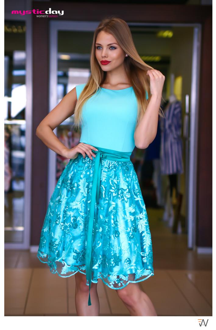 d07e9a3104 Türkiz csipkés tüllös loknis ruha - Cool Fashion