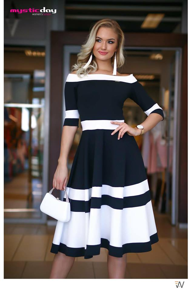 290f38c21c Ejtett vállú csíkos loknis midi ruha - Cool Fashion