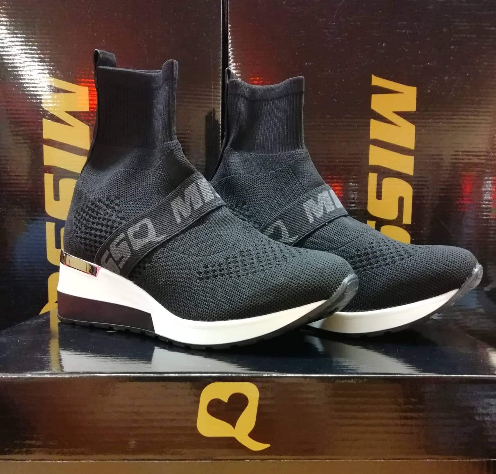92661501794e Zokni cipő gumis fekete - Cool Fashion