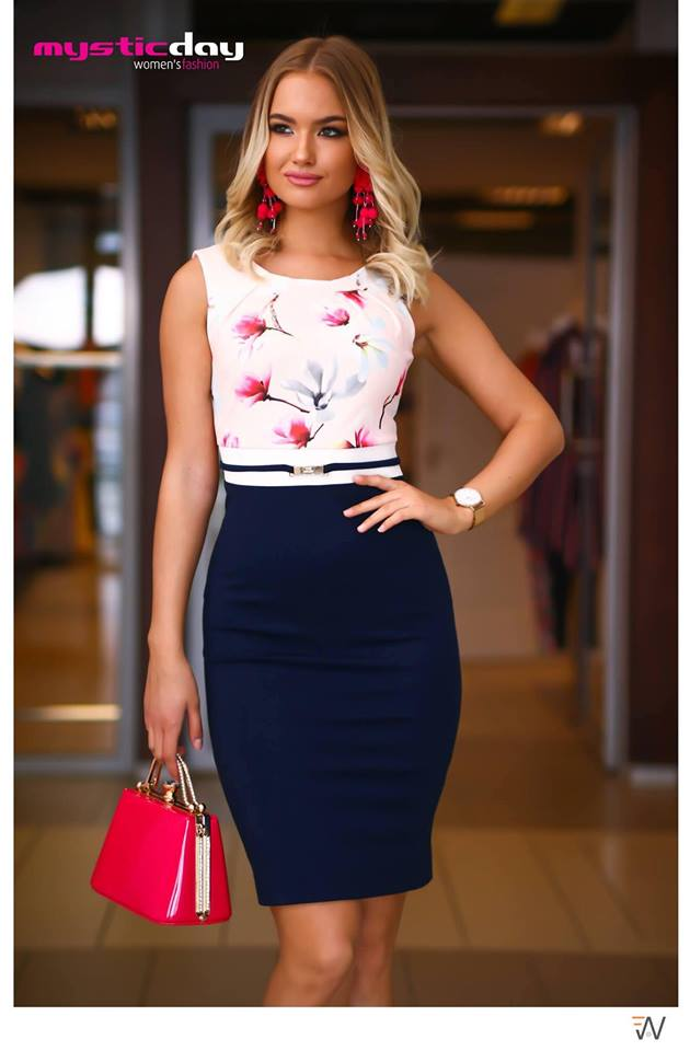cd4a81bbe3 Habcukor magnólia virágos ruha - Cool Fashion