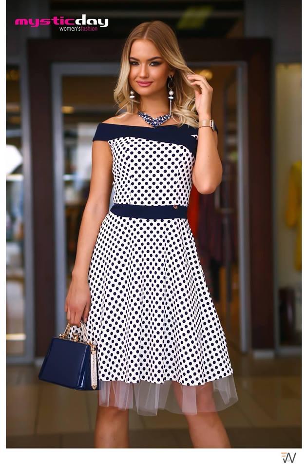 3d3e888bde Médi fehér pöttyös loknis tüll ruha - Cool Fashion