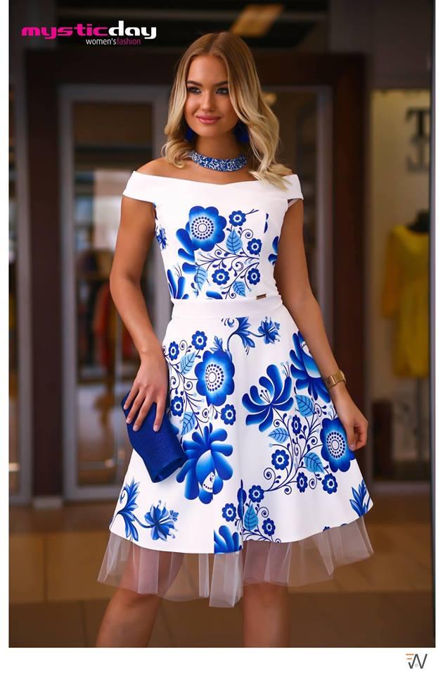 948ac0f06f Médi matyó mintás loknis tüll ruha - Cool Fashion