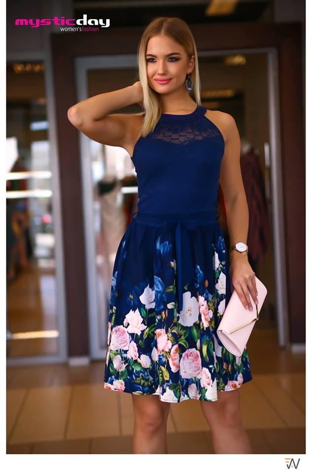 163136c33e Eliz csipkés virágos loknis ruha - Cool Fashion