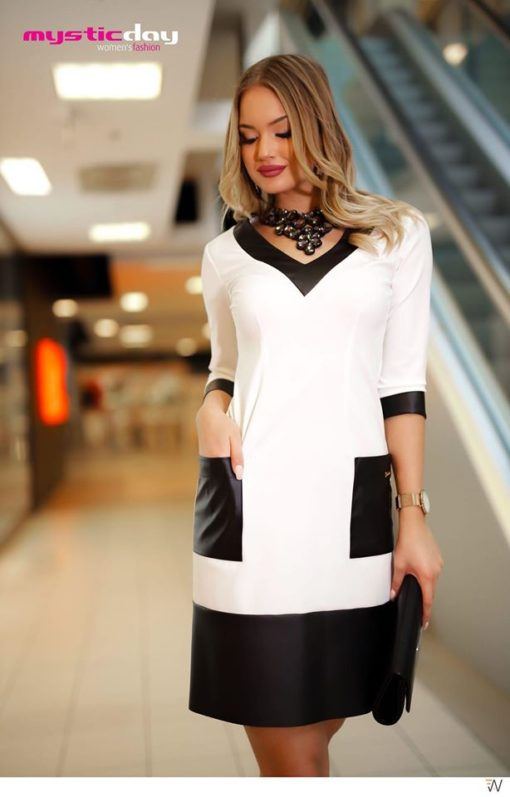 Fekete-fehér V-kivágott zsebes ruha